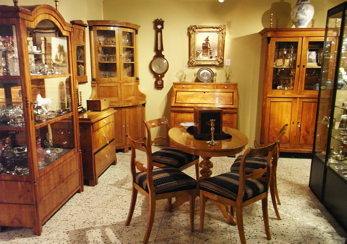 m bel aus biedermeier barock. Black Bedroom Furniture Sets. Home Design Ideas